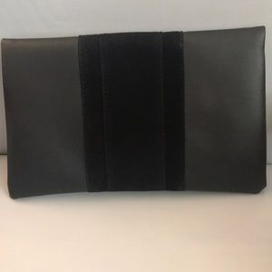 Summer and Rose Black Clutch